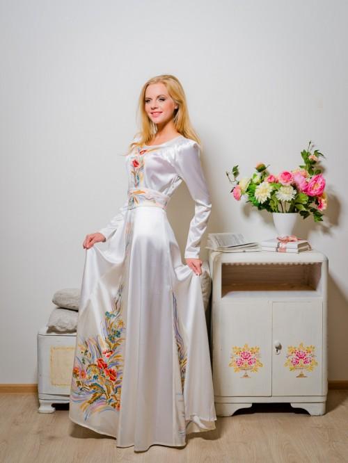 Купить платье или взять на прокат от дизайнера Ангелины Груздевой.